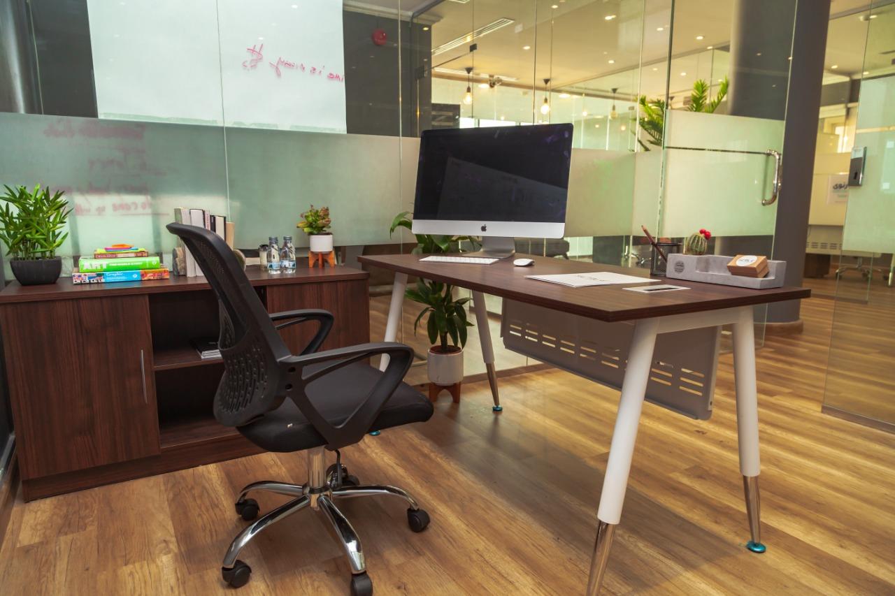 مكتب خاص للإيجار في مساحة عمل سكيل